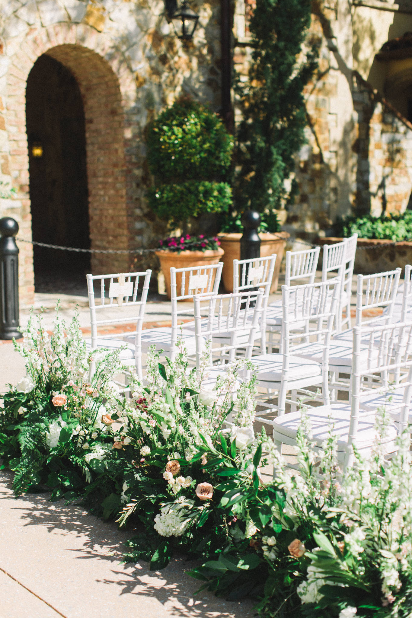 wedding ceremony seating arrangement